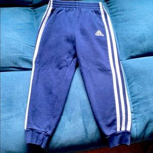 Adidas pants Sz 4T